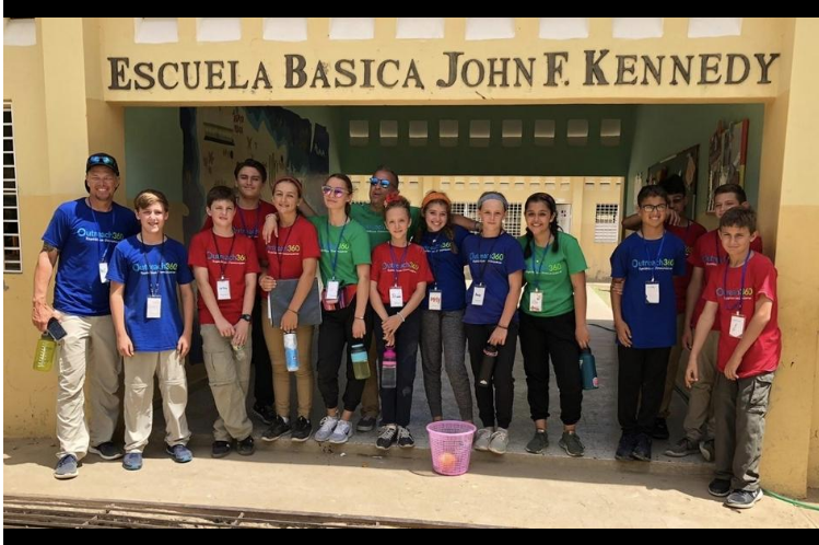 Florida Montessori students make service trip to Dominican Republic
